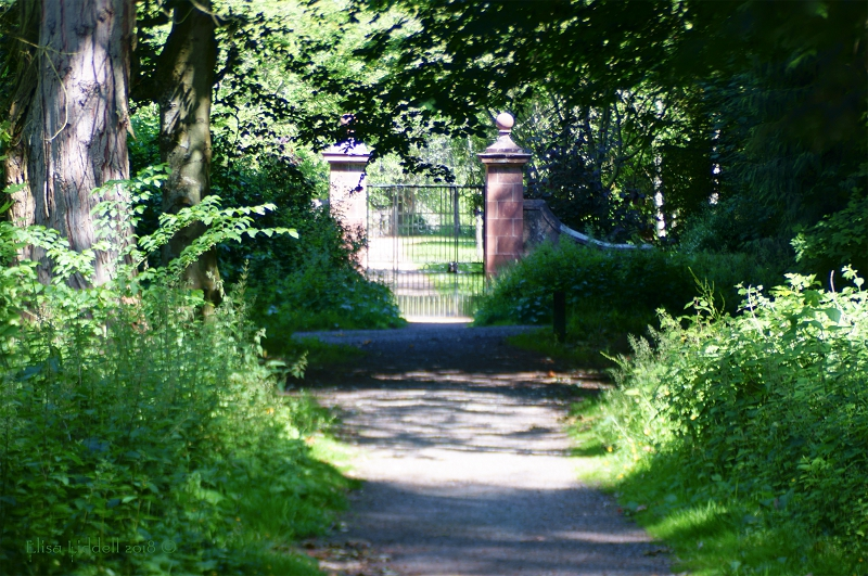 The entrance gate to the walk round Fyvie Loch, Aberdeenshire.