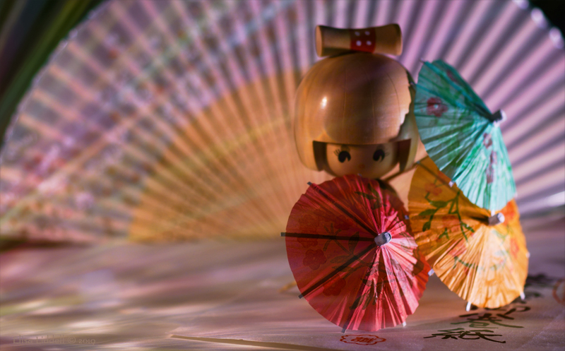 Kokeshi with parasols